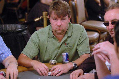 Zarabianie na pokerze w wykonaniu Chrisa Moneymakera